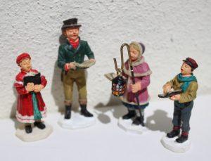 Lot de 4 figurines