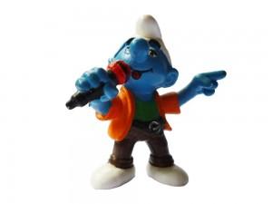 Figurine Shtroumpf au micro